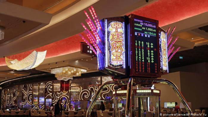Is Online Casino Poker Spoiling Today's Young People
