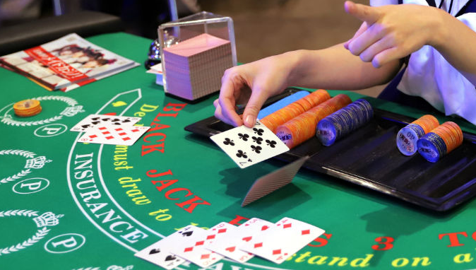 Six Guidelines About Casino Meant To Be Damaged